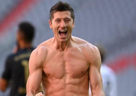 Lewandowski wins the German League Player of the Year award